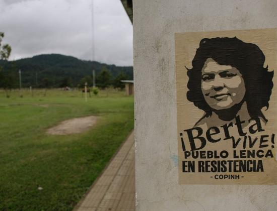 Plakat von Berta Cáceres © Amnesty International/Sergio Ortiz